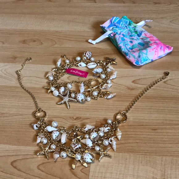 🐚🌸Lilly Pulitzer shell necklaces! 🌸🐚